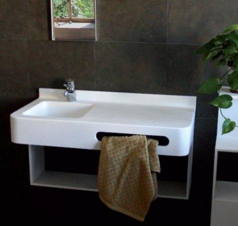 Soluzione Omnibus lavabo in solid surface